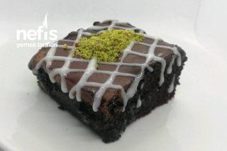 Sünger Gibi Brownie Tadında Çikolata Soslu Islak Kek (Videolu) Tarifi