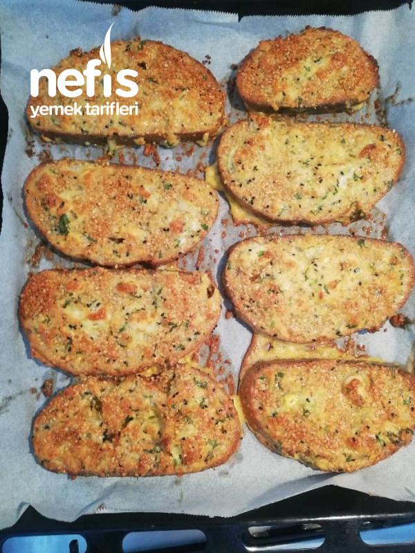 Kahvaltılık Pratik Susamlı Yumurtalı Fırında Kızarmış Ekmek Dilimi