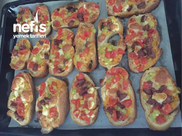 Kıtır kıtır Ekmek Pizzası