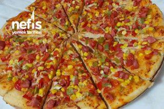 10 Dakikada Pizza Yapımı Tarifi