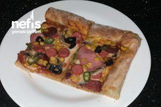 Evde Enfes Pizza (Kenar Dolgulu) Tarifi