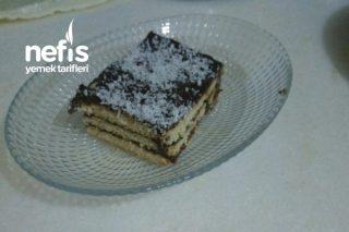 Pudingli Bisküvili Pasta Tarifi