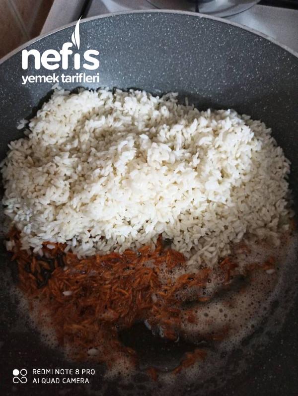 Tam Kıvamında Pirinç Pilavı