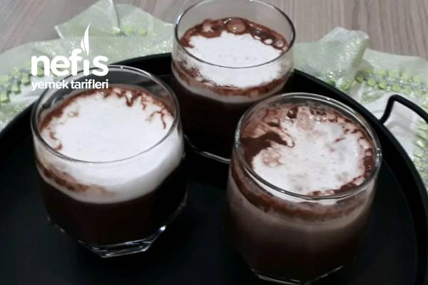 Bol Köpüklü Sıcak Çikolata Tarifi