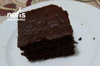 Browni Tadında Muzlu Kek Tarifi