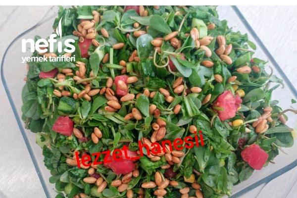 Çam Fıstıklı Semizotu Salatası Tarifi
