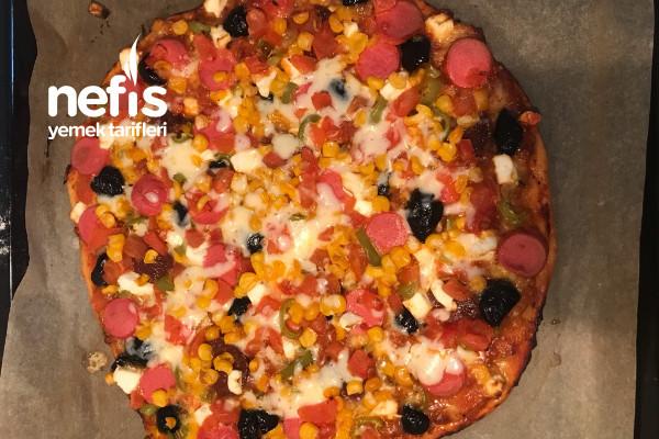 Ekşi Mayalı Karışık Pizza Tarifi