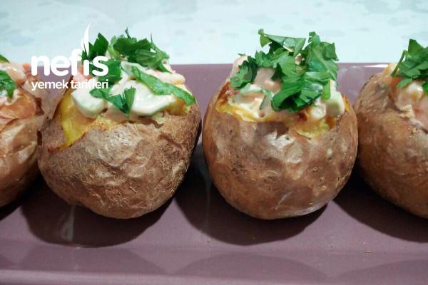 Közde Patates İçinde Yoğurtlu Meyveli Sebzeli Salata Tarifi