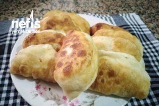 Peynirli Sucuklu Mayalı Pişi Börek Tarifi