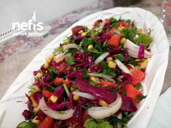 Rengarenk Salata