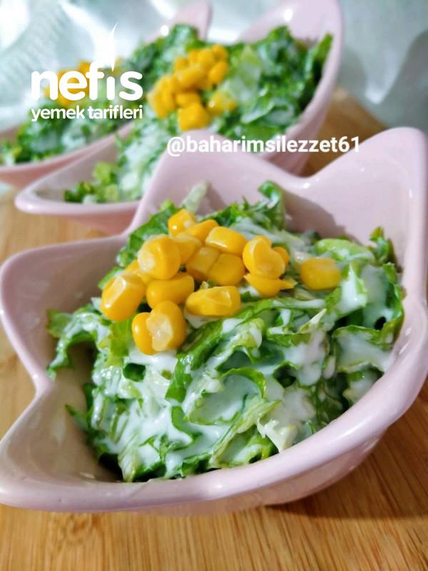 Yoğurtlu Marul Salatası marulun En Güzel Hali