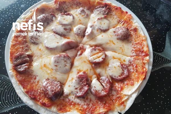 Çok Pratik 2 Dakikada Pizza Tarifi