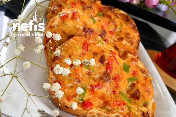 Pizza Ekmekler (Bayat Ekmek Değerlendirme) Tarifi