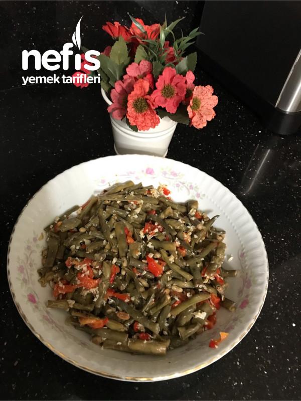Taze Böğrülce Salatası (Akdeniz Esintisi)