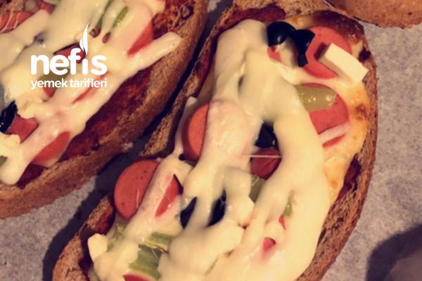 Fırında Ekmek Pizza Tarifi