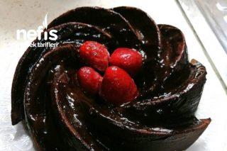 Kekin En Güzel Hali (Çikolata Soslu Damla Çikolalı Kek) Tarifi
