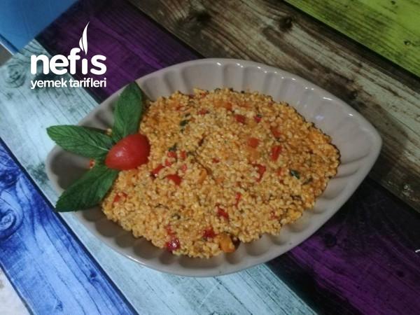 Meyhane Pilavi (Soğanlı Sebzeli Pilav)