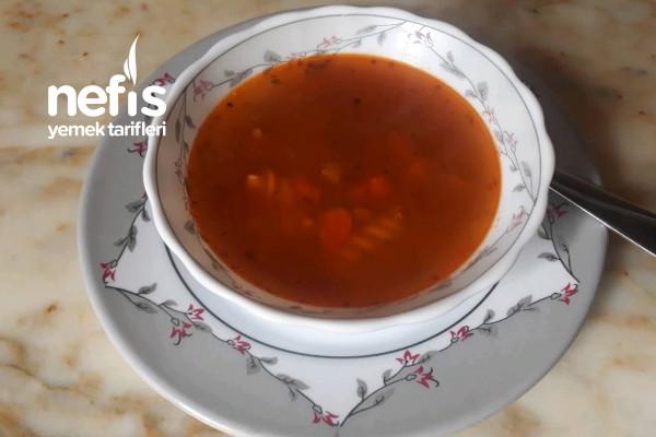 Ortegayollarda Usulü Makarnalı Sebze Çorbası Tarifi