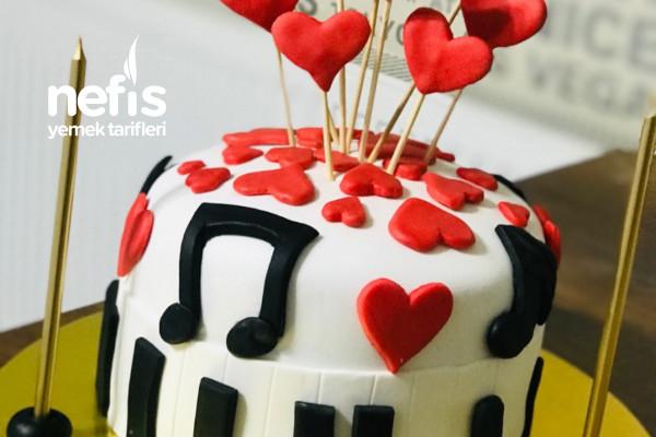 Şeker Hamurundan Müzik Temalı Pastam Tarifi