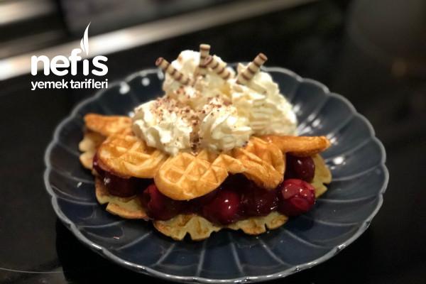 Vişne Soslu Waffle Tarifi (Yumoş Waffle)