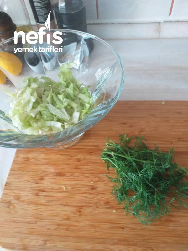 Elmalı Çekirdekli Yeşil Salata