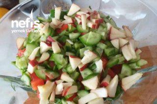 Elmalı Çekirdekli Yeşil Salata Tarifi
