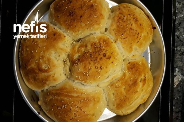 Tek Hamurdan Hem Yumuşacık Çiçek Ekmek Hem de Yağda Otlu Pişi Tarifi