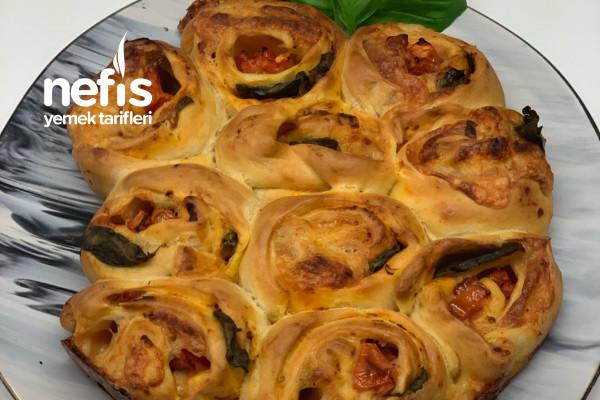 Caprese Pizza (Rulo Pizza) Tarifi