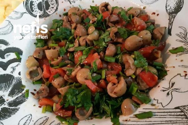 Yeşil Zeytin Salatasi