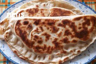 Peynirli Sucuklu Tava Pidesi Tarifi