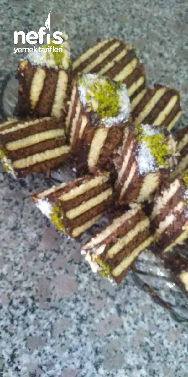 Üç Malzemeli Pasta