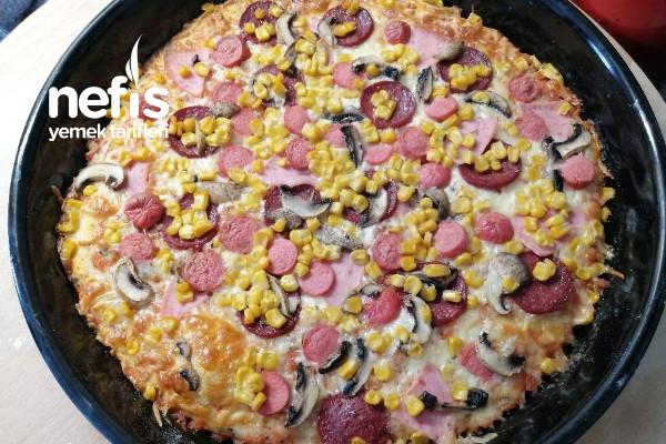 Yemelere Doyamayacağınız Ev Pizzası Tarifi