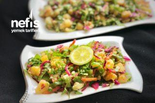 Ekşili Patates Salatası (Sırrı Sosunda) Tarifi