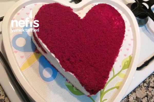 Red Velvet (Kırmızı Kalpli Pasta) Tarifi