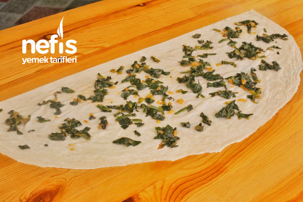 Ispanaklı Peynirli Kol Böreği (Yufka İle )