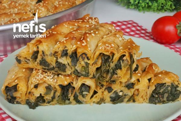 Çok Kolay Ispanaklı Börek (Hazır Yufkadan) (videolu)