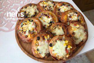 Sarımsak Kenarlı Pizza Poğaça Tarifi (Nefis Lezzet Yumuşak Hamur)