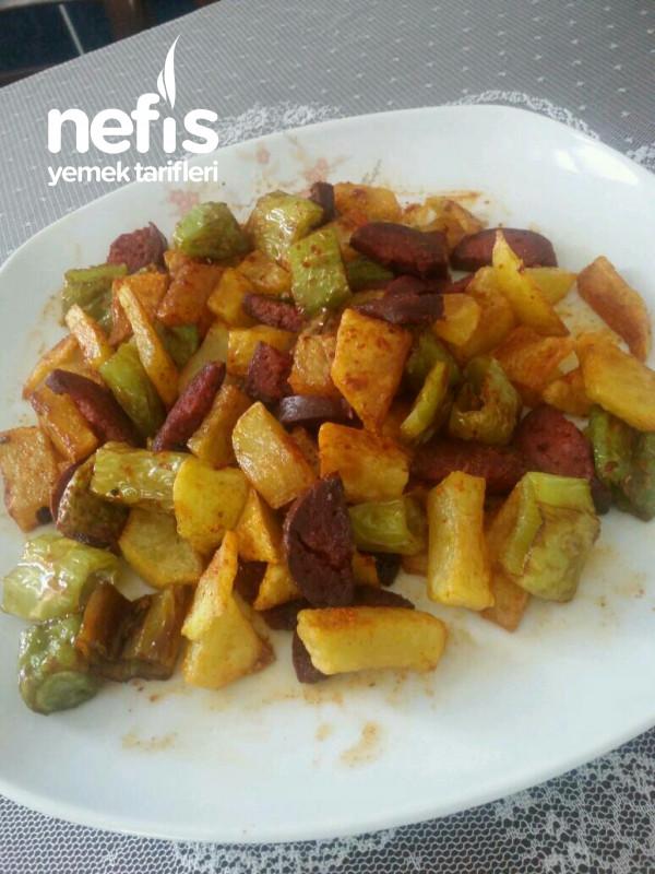 Haftasonu Kahvaltısı Patates Biber Suçuk Kızartması