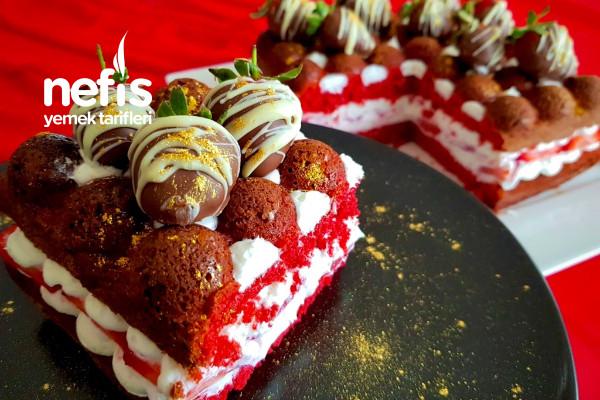 Red Velvet Strawberry Cake Tarifi