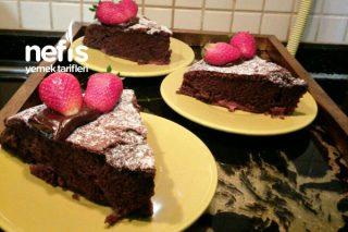 Çilekli Çikolatalı Ve Hindistan Cevizli Kek Tarifi