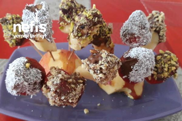 Kahve Yanına Pratik Çikolatalı Meyvecikler Tarifi