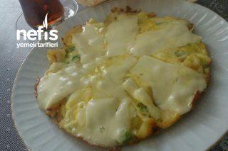 Patatesli Yeşil Soğanlı Yumurta ve Trabzon Peynirili Kaşarlı Kahvaltı Tarifi