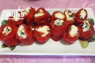 Peynirli Kırmızı Biber Sarma Tarifi