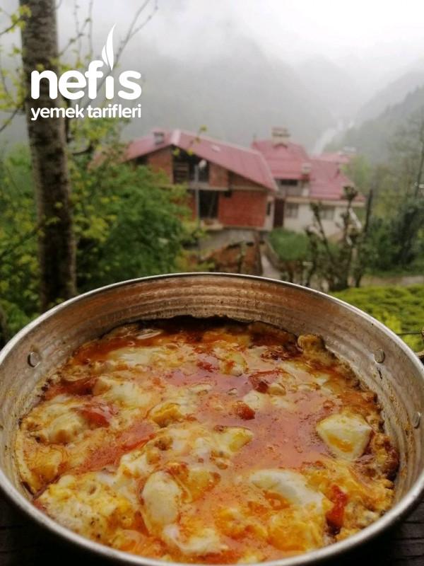 Kahvaltılık/Sahurluk Kolay Ve Lezzetli Domatesli Kaşarlı Yumurta