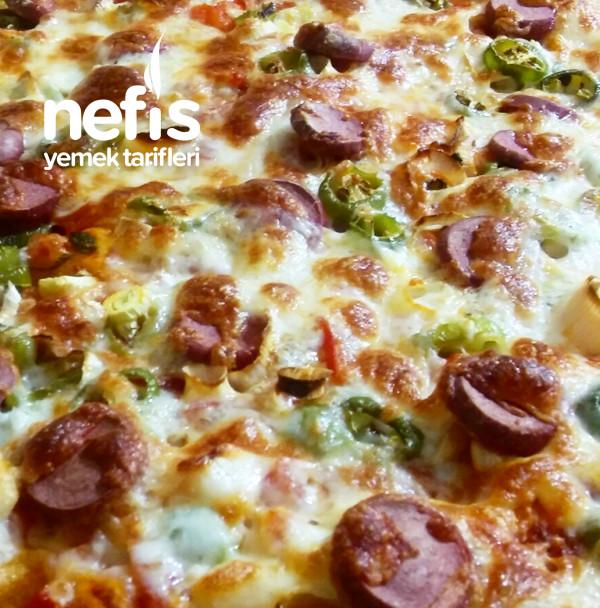 Pırasalı Pizza (Pırasa Sevmeyenlerin Bile Fark Etmeden Yiyebileceği Bir Tarif)