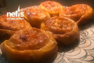 Soğanlı Gül Böreği (Farklı Kolay Börek Tarifi)