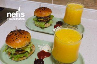 Herşeyi İle Ev Yapımı Enfes Hamburger Tarifi