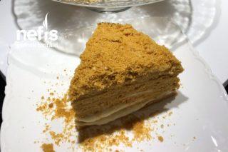 Ballı Medovik Pasta Tarifi