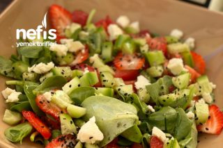 Çilekli Semizotu Salatası Tarifi