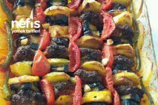 İftar Sofrasına Yakışır Ana Yemek (Fırında İzmir Köfte) Tarifi
